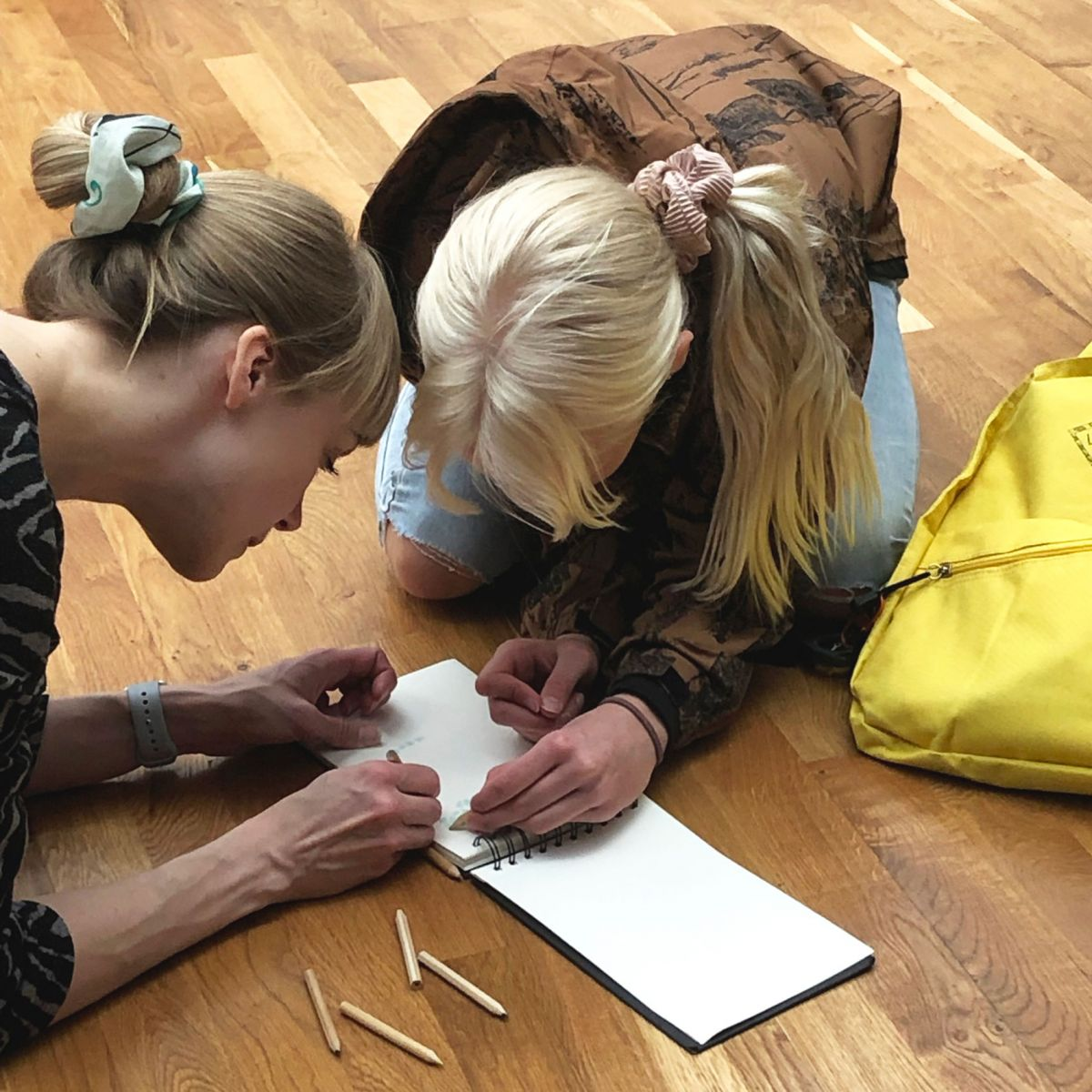 Let's Play Art: Backpack Gallery Talk for families