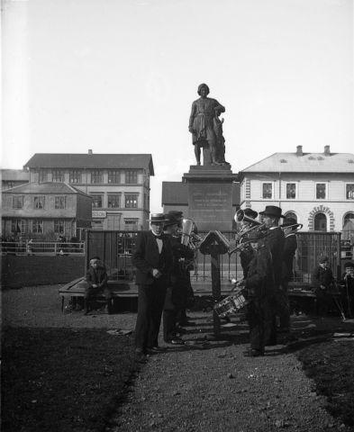 Evening Walk: Bertel Thorvaldsen 250th Anniversary