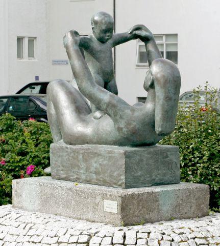 Listaverk vikunnar: Móðir og barn