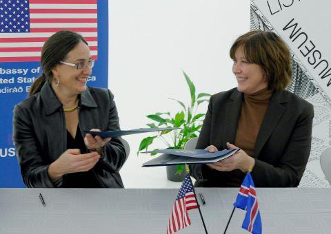 Michelle Yerkin, Chargé d´Affaires a.i. of the U.S. Embassy in Iceland, and Ólöf Kristín Sigurðardóttir, Director of the Reykjavik Art Museum, and Ólöf Kristín Sigurðardóttir, Director of the Reykjavik Art Museum.