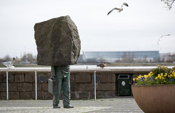 The Monument to the Unknown Bureaucrat (1993) Magnús Tómasson. Photo by Art Bicnick.